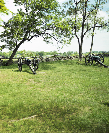 gettysburg battlefield: The Battlefield in Gettysburg Pennsylvania which is dotted to many memorials to the fallen and to commemorate the individuals involved Editorial