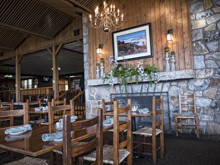 blue ridge: Dining room at the Skyland resort in the Blue Ridge Mountains of Virginia USA