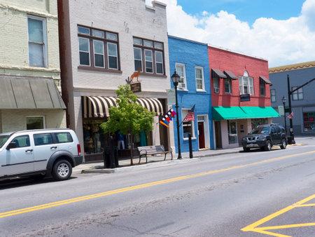 main street: Lewisburg Main Street in West Virginia USA Editoriali