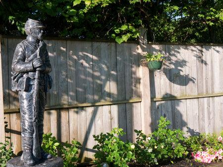 brenda kean: Statue of Civil War Soldier in car park of hotel in Bardstown Kentucky USA