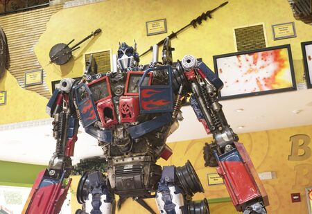 scrap metal: Scrap metal Robot on Main Street in Gatlinburg a holiday resort in Tennessee USA Editorial