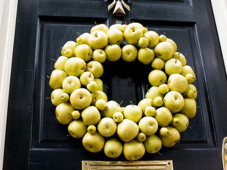 alexandria: Apple Wreath in Alexandria Virginia USA
