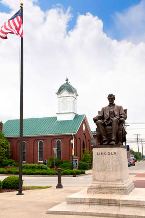 abraham: Statue of Abraham Lincoln in Bardstown Kentucky USA