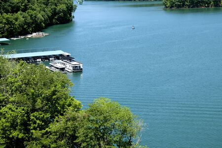 clinch: Lake Norris formed by the Norris Dam on the River Clinch in the Tennessee Valley USA