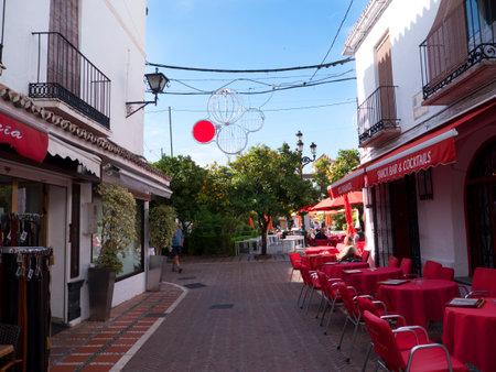 Plaza de Naranjas, Plaza de los Naranjos en el Estilista Ciudad de Marbella en la Costa del Sol España Foto de archivo - 49980315