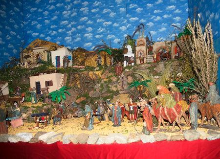 Crèche de Noël à Frigiliana l'un des plus beaux villages blancs de la région Sud de l'Espagne de l'Andalousie dans les montagnes Alpujarra. Éditoriale