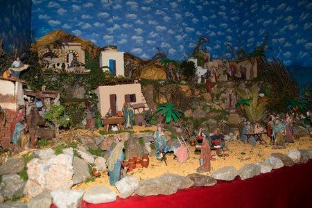 Crèche de Noël à Frigiliana l'un des plus beaux villages blancs de la région Sud de l'Espagne de l'Andalousie dans les montagnes Alpujarra.