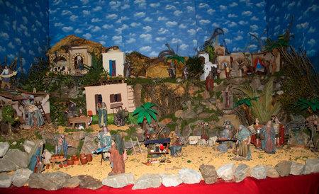 Crèche de Noël à l'église intérieur à Frigiliana l'un des plus beaux villages blancs de la région Sud de l'Espagne de l'Andalousie dans les montagnes Alpujarra.