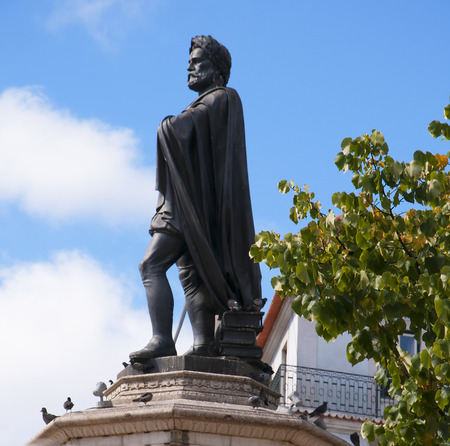 considerable: Statue of the Poet in the Praça de Camões In Lisbon Portugal. Luís Vaz de Camoes  is considered Portugals and the Portuguese languages greatest poet. He wrote a considerable amount of lyrical poetry and drama Editorial