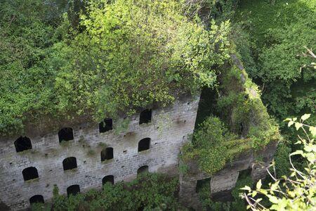 marqueteria: Ruinas del antiguo molino en la Foz de Sorrento en Italia