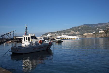 marqueteria: Marina Piccolo El puerto de Sorrento en Italia