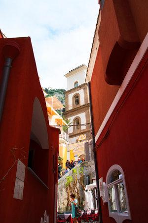 marqueteria: Positano, en la bahía de Salerno en Italia meridional de Campania Editorial