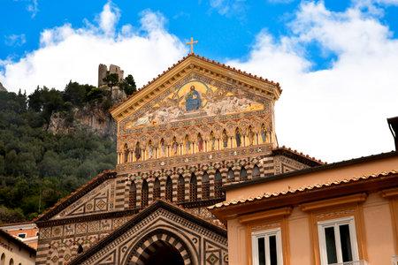 marqueteria: Amalfi en la Bahía de Salerno en Italia meridional de Campania