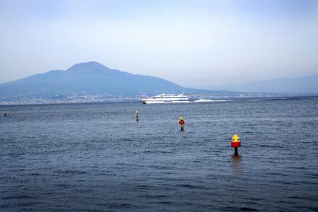 marqueteria: Terraza con vistas al mar en Sorrento y el Vesubio