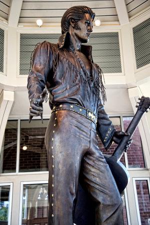 Standbeeld van Elvis Presley op de Tennessee State Welcome Center in Memphis USA