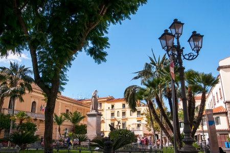 marqueteria: Piazza Antonino Abate en Sorentto Italia