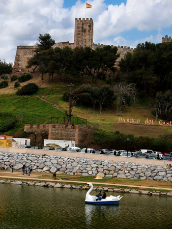 The Castle by the Fuengirola River in the Town of Fuengirola on the Costa del Sol in Spain Foto de archivo - 104474490