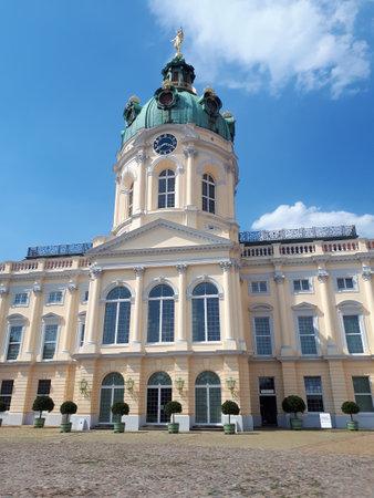 Charlottenburg Palace outside Berlin Germany 新聞圖片