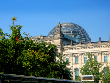 The Reichstag underwent a reconstruction led by architect Norman Foster. After its completion in 1999, it once again became the meeting place of the German parliament: the modern Bundestag. Editoriali