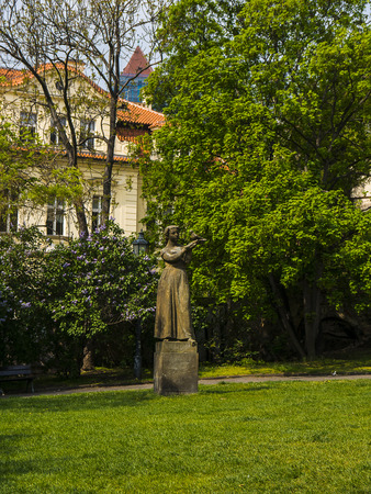 Small Park with Statue near path up to the castle in Prague 報道画像