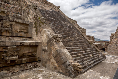 civilisation: Aztec pyramid in the ancient city of Teotihuacan decorated with stone statues  Stock Photo