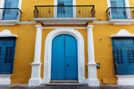 casa colonial: detalles de la arquitectura colonial española en Campeche, México