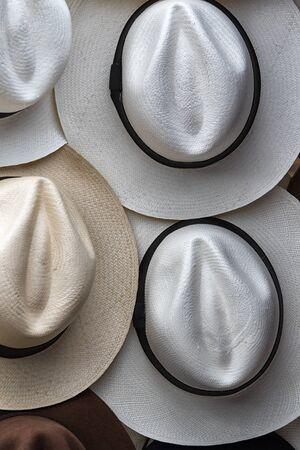 71666977 - Primer plano de sombrero panamá en mercado artesanal Otavalo  Ecuador 1a26461e791