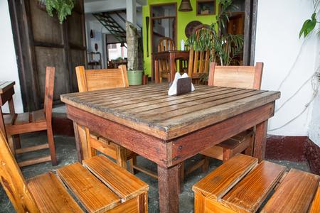 11 januari 2015 Flores, Guatemala: kleine restaurants populair bij bezoekers overal op het populaire kleine eiland van de toeristenbestemming