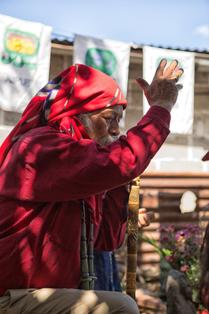 January 31, 2015 San Pedro la Laguna, Guatemala: tata Pedro Cruz one of the last authentic elderly Mayan shamans performing a ritual Redakční
