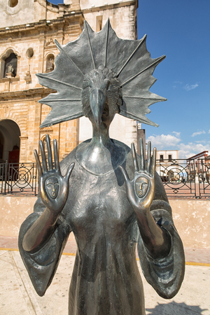 leonora: April 21, 2014 Campeche, Mexico: closeup detail of a Leonora Cerrington statue on the street of the UNESCO world hetitage colonial town Editorial