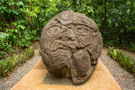 large pre-hispanic olmec basalt carved head in the La Venta archeological park in Villahermosa Mexico Sajtókép