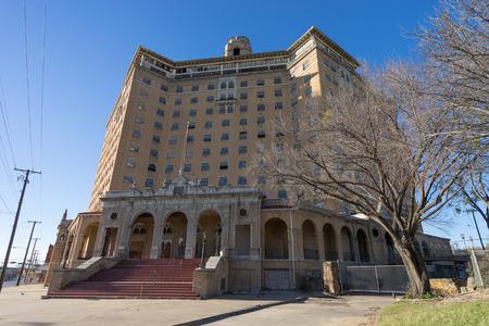 2015 年 12 月 24 日ミネラル ウェルズ、テキサス、米国: 計画が発表された改修し、長い間の建物をいったん捨てパン ホテル