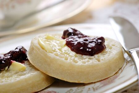 typically english: toasted crumpets and jam