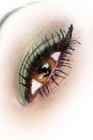 hypnotise: beautiful eye with makeup