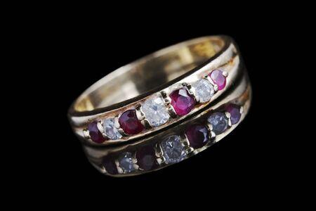 sanctity: anello di diamanti e rubino, l'impegno  eternit� anello