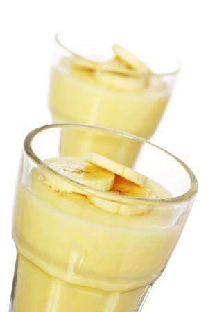 pudin: delicioso Mousse de pl�tano cubierto con rodajas de pl�tanos Foto de archivo