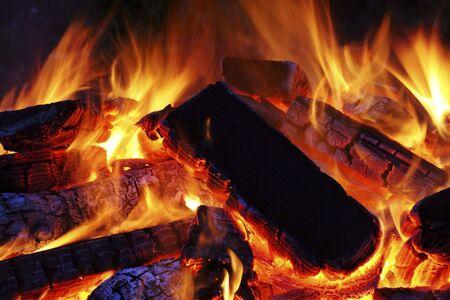 guy fawkes night: legna sul fuoco con il rosso  Archivio Fotografico