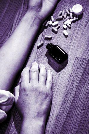 overdosering: verschillende tabletten, begrip zelfmoord, overdosis Stockfoto