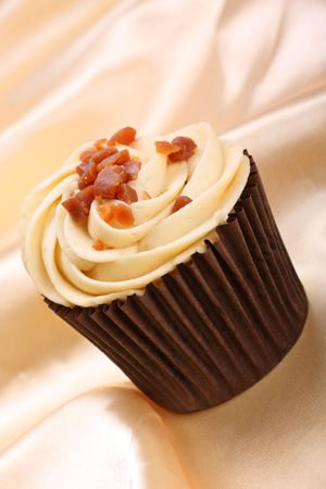 banana and toffee flavoured cupcake