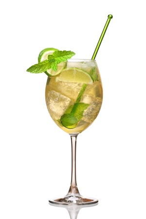 hugo: Hugo cocktail, made with elderberry, champagne, soda, lime and garnished with mint.  Stock Photo