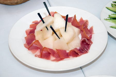 Meat sliced with apples. Snack to wine for the new year