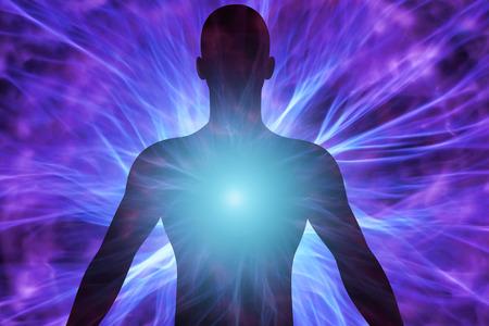 Menselijk lichaam met energie-balken Stockfoto - 58762011