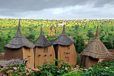 paisagem: Dogon casas de aldeia Imagens
