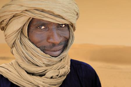 Timbuktu, Mali, September - 2 - 2011 Tuareg lagerte in einem Lager in der Nähe der Stadt Timbuktu in Mali, Afrika Standard-Bild - 79046457