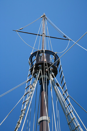 caravelle: detail of crow nest and rigging ropes in replica of ancient boat caravel of Christopher Columbus when discovered America in 1492, docked at harbor Palos de la Frontera, Huelva, Andalusia, Spain