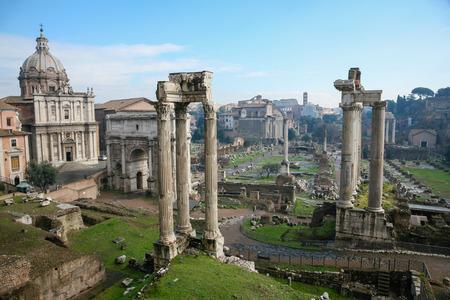 サトゥルヌス神殿、ウェスパシア...