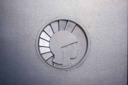 effigy: metallic effigy art deco