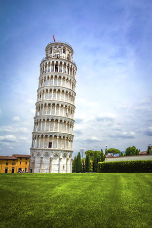 leaning tower of pisa: Leaning Tower of Pisa in Tuscany,one of the most recognized and famous buildings in the world.