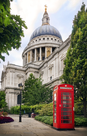 st pauls: St Pauls Cathedral and a classic red British telephone box in London