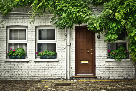 stereotypically: Beautiful house front in one of londons cozy mews.